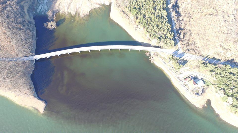 Photo of Sarà petrolio nella diga del Pertusillo? (LE FOTO)