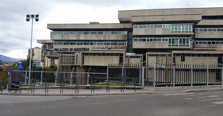 Stalker condannato a 2 anni 4 mesi e 2 giorni di reclusione la gazzetta della val d 39 agri - Anni mesi giorni gemelli diversi ...