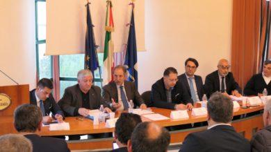 Photo of Tavolo sul P.O. Val d'Agri-Melandro-Camastra-Sauro a Villa d'Agri, mancano fondi a 35 paesi