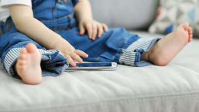 Photo of Troppi stimoli per i bambini. Riscoprire la lentezza imparando a separarci dagli smartphone