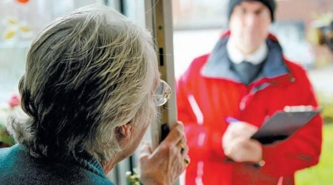 Photo of Come evitare le truffe ed i raggiri: Arma dei Carabinieri e Comune di Viggiano al fianco degli anziani