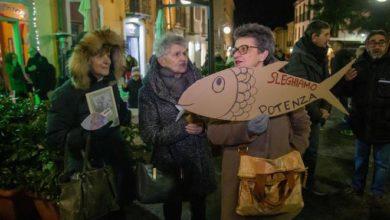 "Photo of Con le Sardine lucane ""Potenza si slega"""