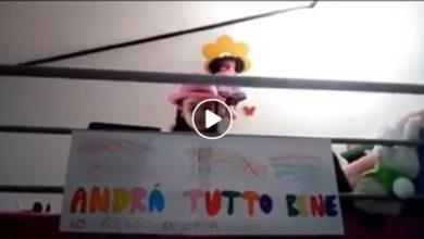 """Photo of Vasco Rossi e i bambini di Laurenzana che cantano """"Vivere"""", l'artista ne pubblica il video su Facebook"""