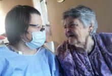 "Photo of Praticare ""Umanità"", medicina essenziale nella pandemia"